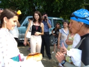We arrive in Baikal to an enthusiastic group of students and teachers from Khristov Middle School. A girl dressed in traditional Bulgarian garb greets us with a traditional bread and a delicious dipping mixture of paprika and salt.